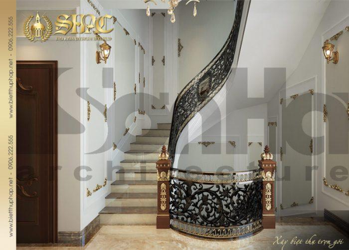 Thiết kế nội thất sảnh thang cổ điển của biệt thự lâu đài pháp 6 tầng tại Thái Bình
