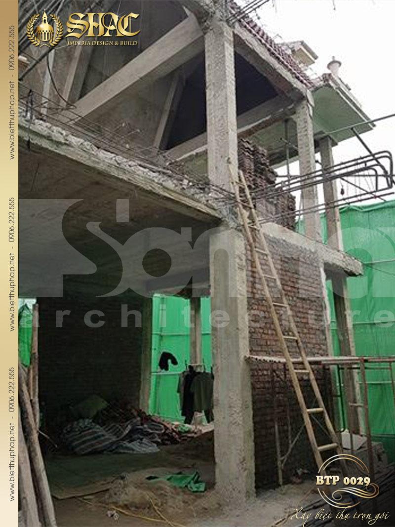 Quá trình cải tạo thi công biệt thự 3 tầng kiểu pháp được thực hiện nhanh chóng