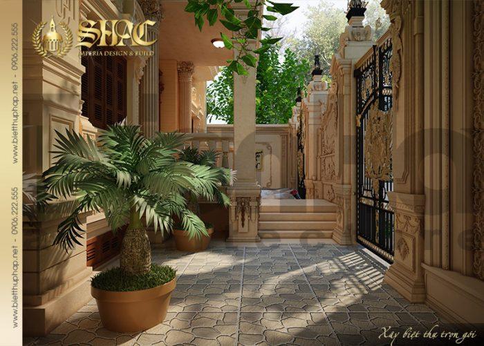 Ngôi biệt thự sở hữu khoảng sân rộng được thiết kế đơn giản mà tinh tế