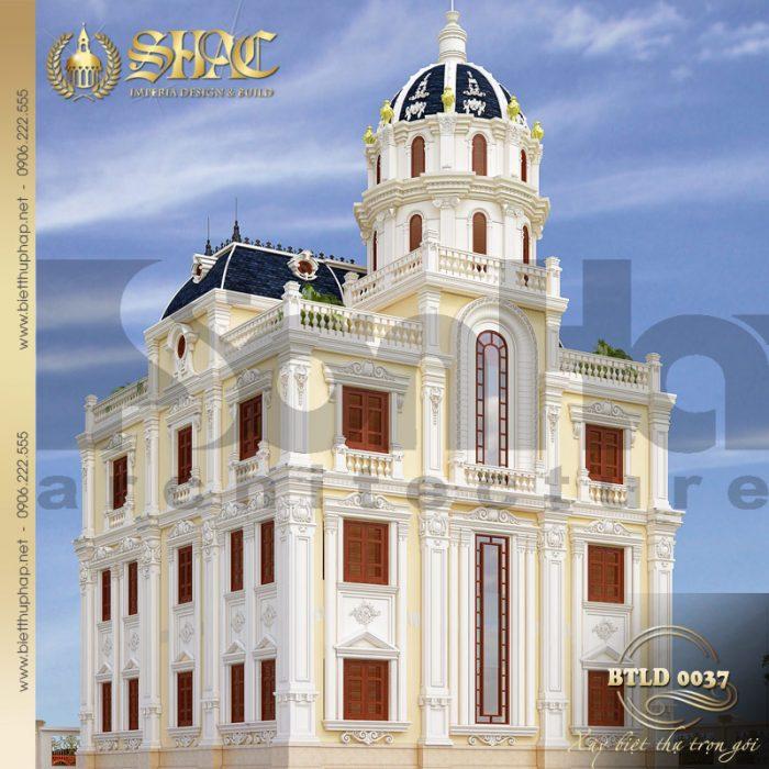 Kiến trúc mặt sau ngôi biệt thự kiểu lâu đài cổ điển cũng được chủ đầu tư hết sức hà lòng