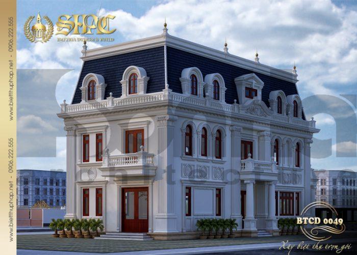 Không gian kiến trúc mặt sau ngôi biệt thự được KTS Sơn Hà thiết kế tỷ mỷ, công phu nhằm tôn nên vẻ đẹp tinh tế của kiến trúc tân cổ điển