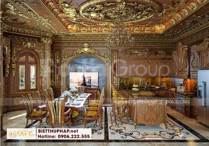 Khu vực phòng bếp ăn rộng của biệt thự lâu đài được đầu tư thiết kế nội thất đậm chất Pháp hoàng gia, lộng lẫy với đèn chùm lung linh và các họa tiết hoa văn đắp vẽ tường trần hết sức ấn tượng