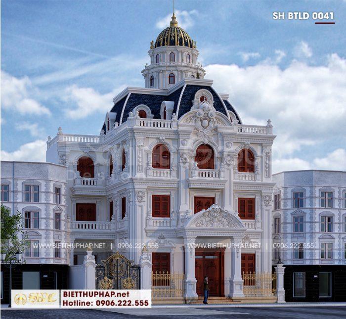 Không gian ngoại thất đồ sộ của biệt thự 3 tầng 1 tum kiểu lâu đài cổ điển tại Hà Nội đầy sức cuốn hút